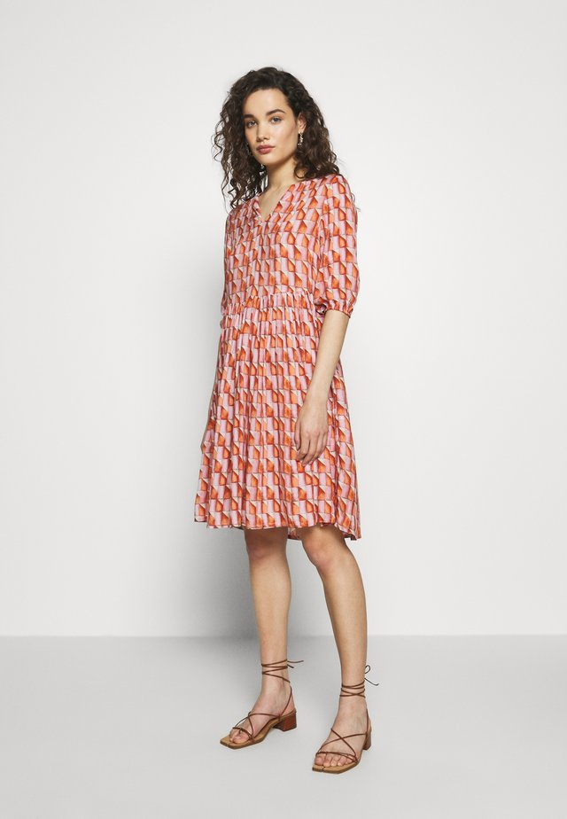 DRESS  - Shirt dress - pink/orange