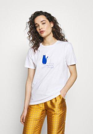 T-shirt med print - organic white