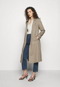 Progetto Quid - PERVINCA - Trench - light brown - 1