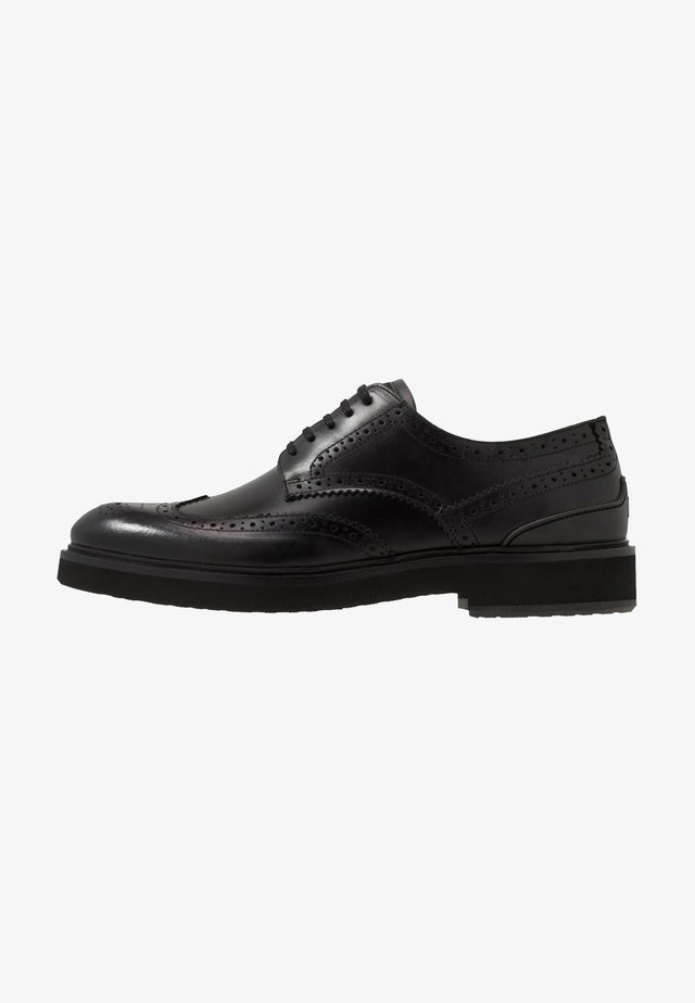 TOMMY - Elegantní šněrovací boty - black