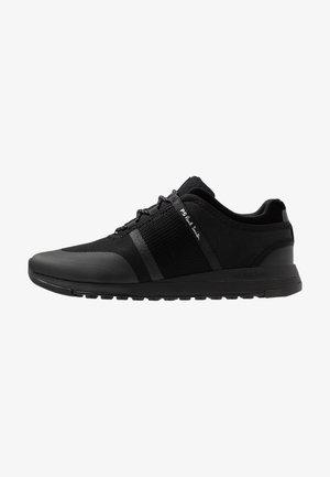 MENS SHOE CLUB - Sneakersy niskie - black