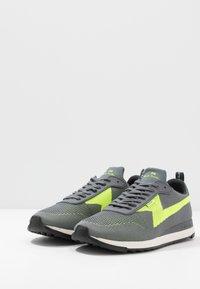 PS Paul Smith - ROCKET - Sneakersy niskie - grey - 2