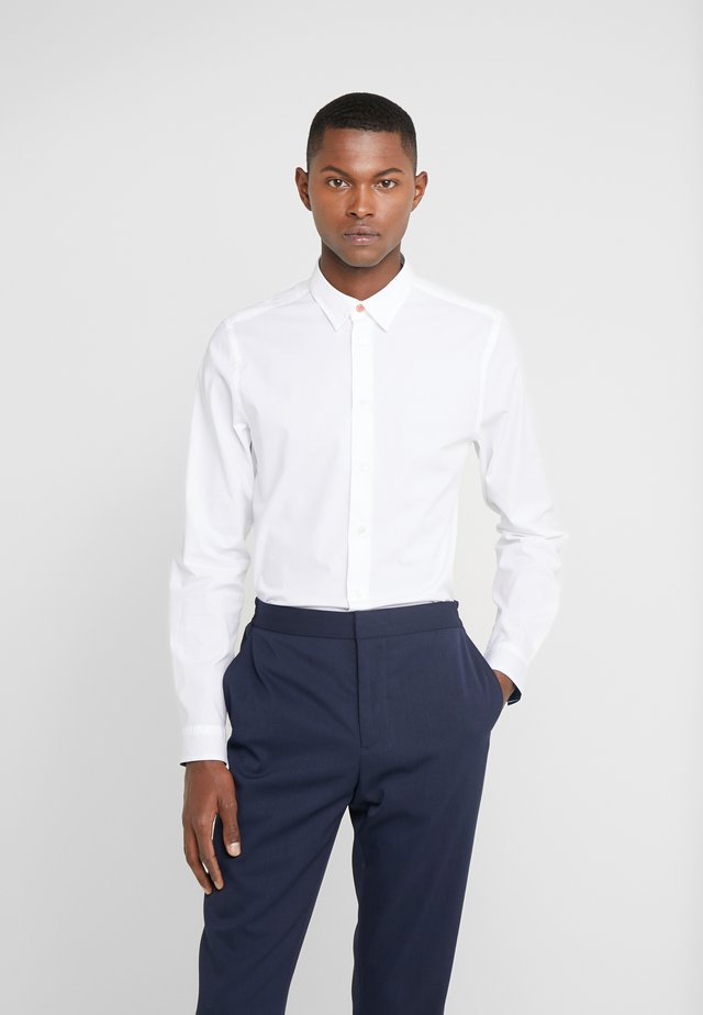 SHIRT SLIM FIT - Finskjorte - white