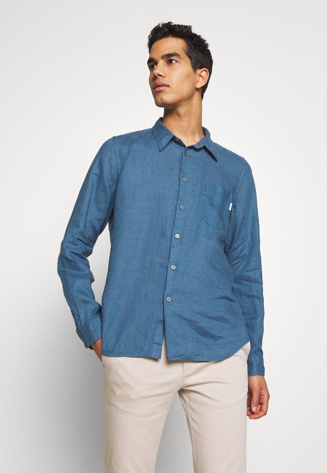 TAILORED FIT SHIRT - Hemd - blue