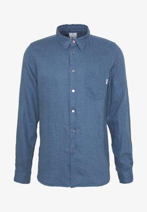 TAILORED FIT SHIRT - Skjorte - blue