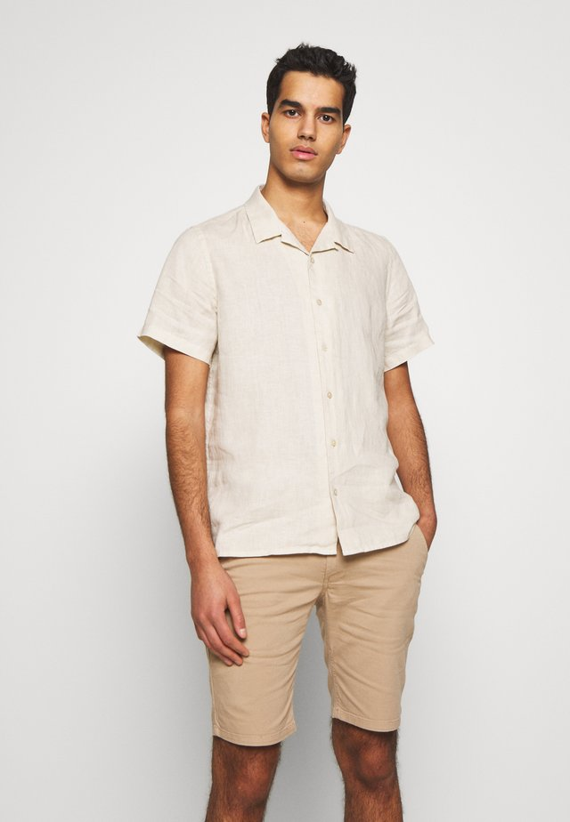 MENS CASUAL FIT SHIRT - Shirt - ivory