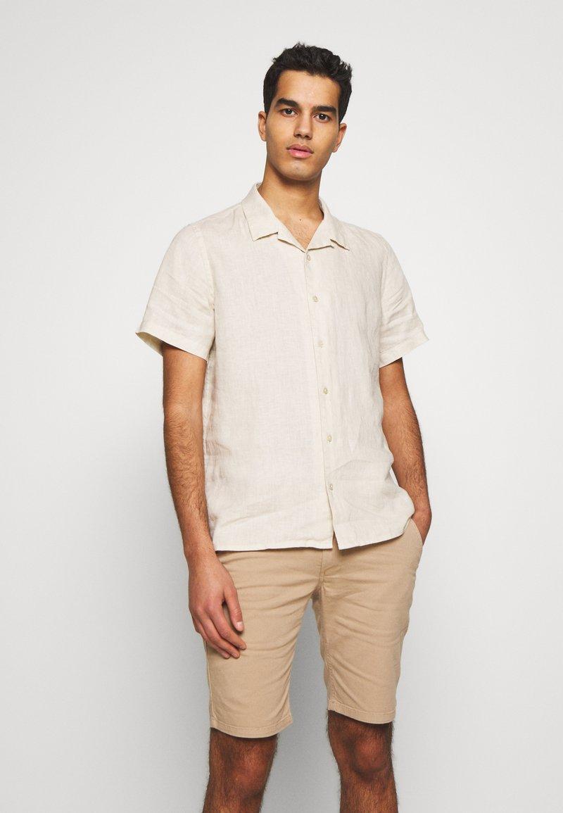 PS Paul Smith - MENS CASUAL FIT SHIRT - Skjorta - ivory