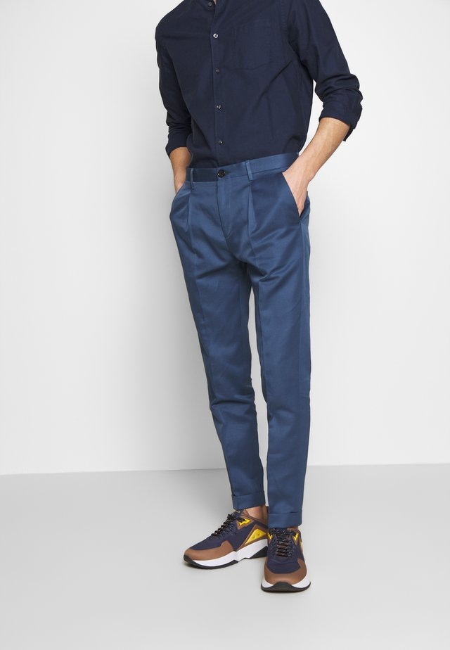 MENS TROUSER PLEATED - Kalhoty - blue