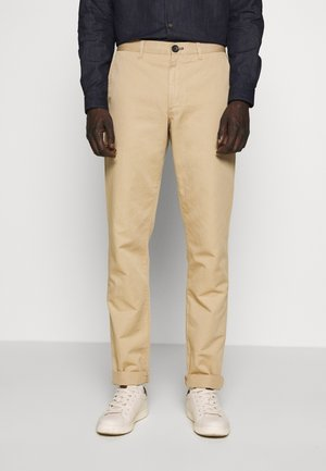 MENS MID FIT STITCHED CHINO - Chinot - camel