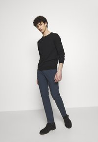 PS Paul Smith - MENS MID FIT - Chino - navy - 1