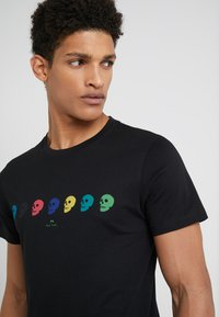 PS Paul Smith - Printtipaita - black - 4