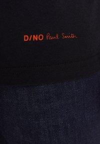 PS Paul Smith - REGULAR FIT DINO - Camiseta estampada - black - 6