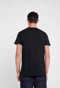 PS Paul Smith - REGULAR FIT DINO - Camiseta estampada - black - 2