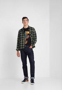 PS Paul Smith - REGULAR FIT DINO - Camiseta estampada - black - 1