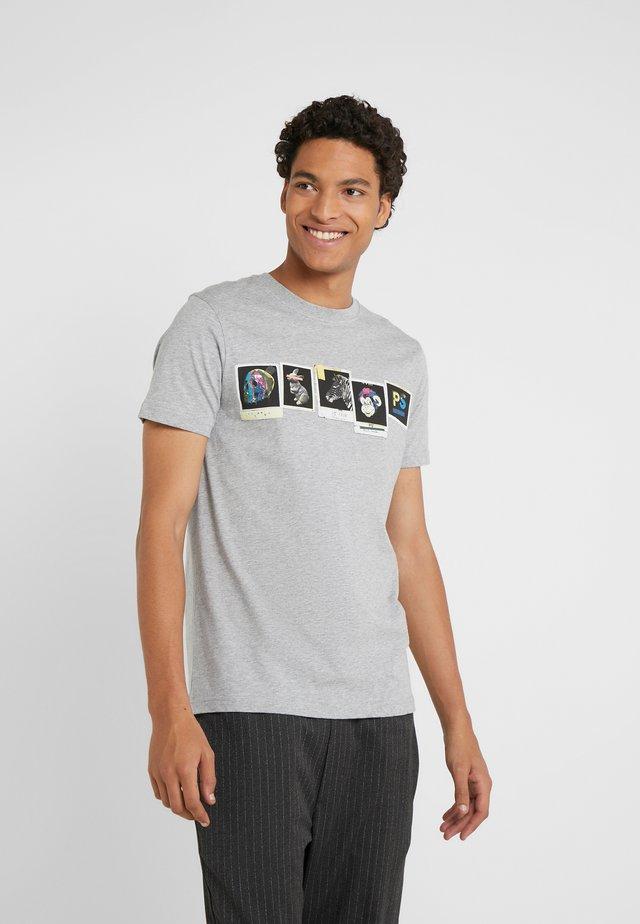 SLIM FIT PHOTOS - T-shirt imprimé - grey
