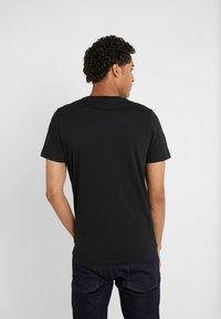 PS Paul Smith - MENS SLIM FIT TSHIRT CLOUD ZEBRA - T-shirt z nadrukiem - black - 2