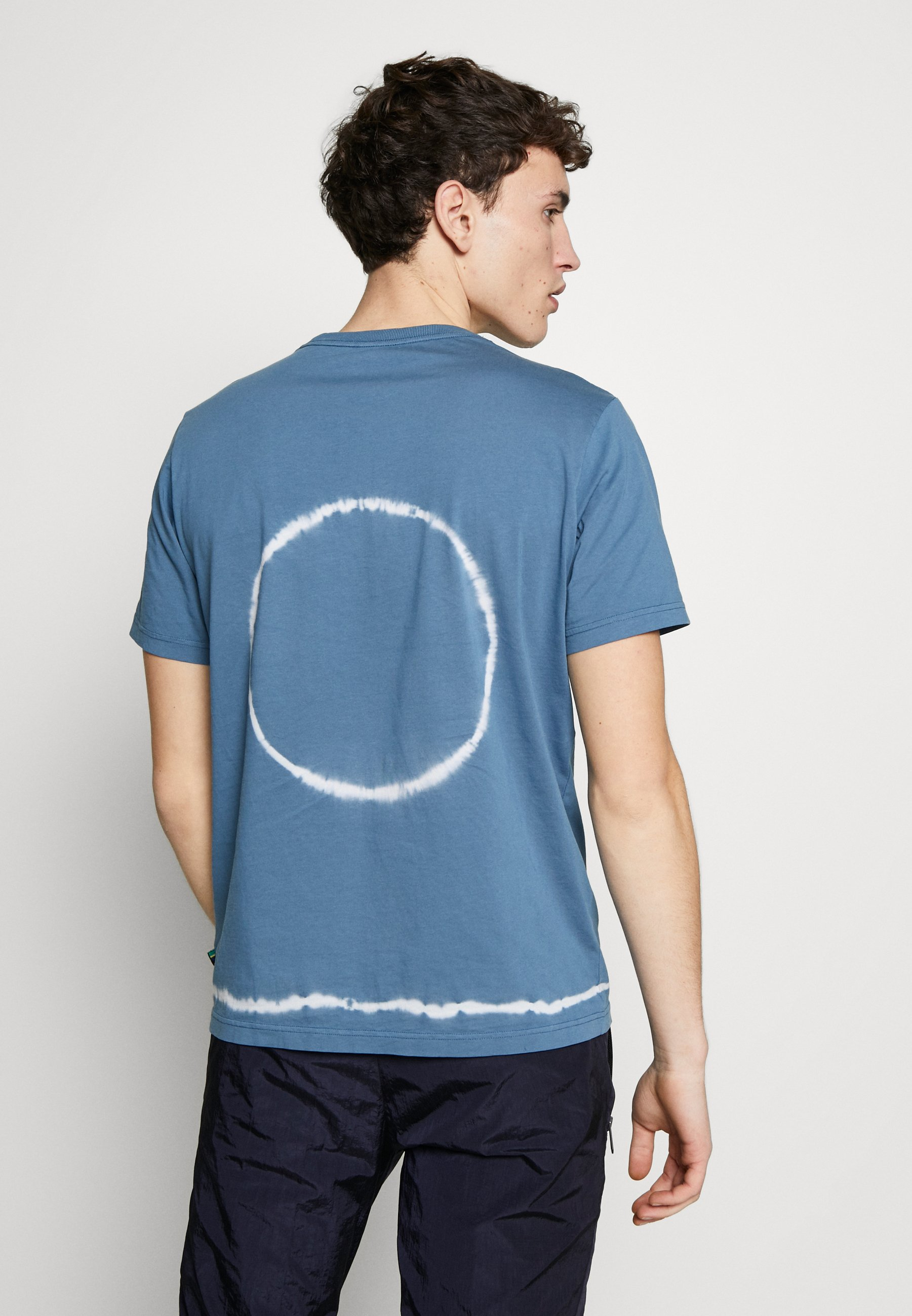 PS Paul Smith TIE DYE - T-shirt z nadrukiem - light blue