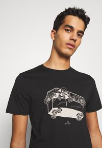PS Paul Smith - SLIM FIT COFFIN - T-shirts med print - black - 3