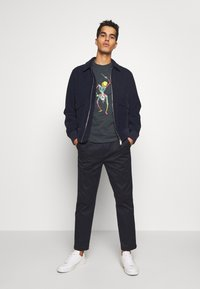 PS Paul Smith - DRUM SKELETON - T-shirts med print - dark grey - 1