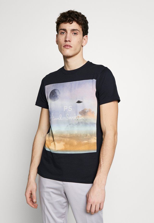 MENS SLIM FIT UTOPIA - T-shirt z nadrukiem - navy