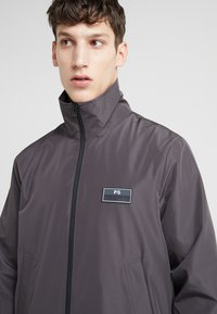 PS Paul Smith - TRACK JACKET - Kevyt takki - anthracite - 4