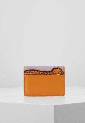 WOMEN CARD HOLD CHEETAH - Monedero - orange