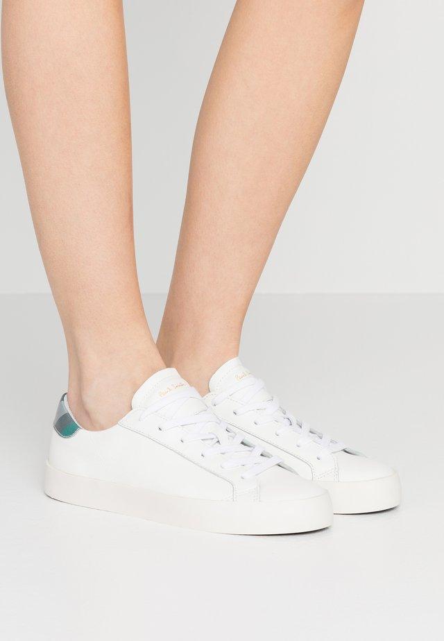PIDGEN - Baskets basses - white