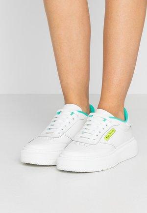 HACKNEY - Sneaker low - white