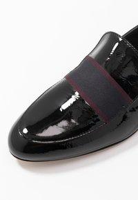 Paul Smith - FREDA - Nazouvací boty - black - 7