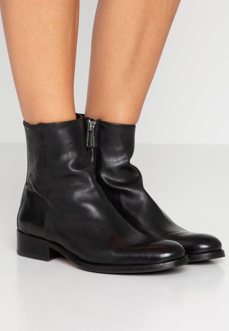 Paul Smith - ADALIA - Kotníkové boty - black