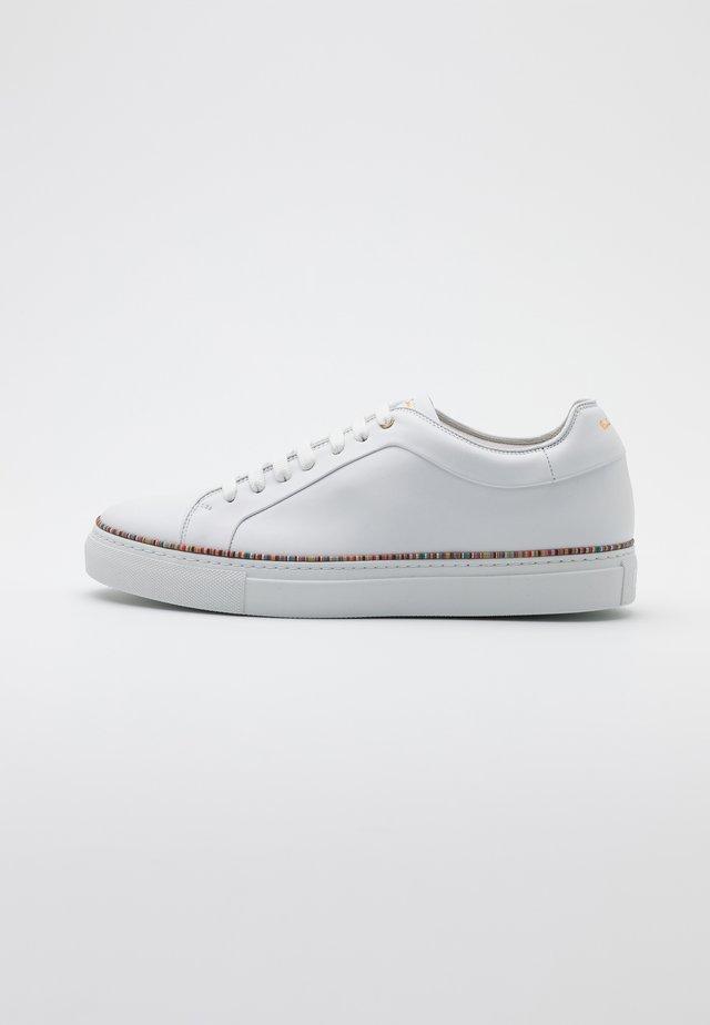 BASSO - Trainers - white