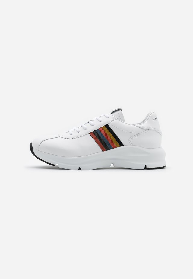 SHUTTLE - Trainers - white