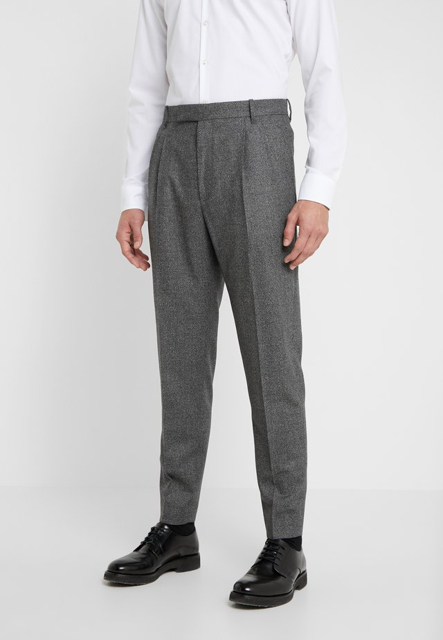 GENTS FORMAL PLEATED TROUSER - Suit trousers - grey