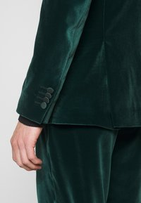 Paul Smith - GENTS TAILORED FIT EVENING SUIT SET - Oblek - dark green - 5