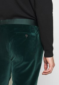 Paul Smith - GENTS TAILORED FIT EVENING SUIT SET - Oblek - dark green - 6