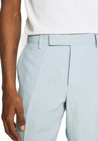 Paul Smith - GENTS SLIM FIT TROUSER - Pantalón de traje - light blue - 5