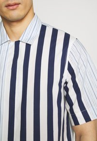 Paul Smith - GENTS SOHO  - Chemise -  white - 5