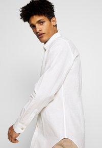 Paul Smith - GENTS SLIM - Shirt -  off white - 3