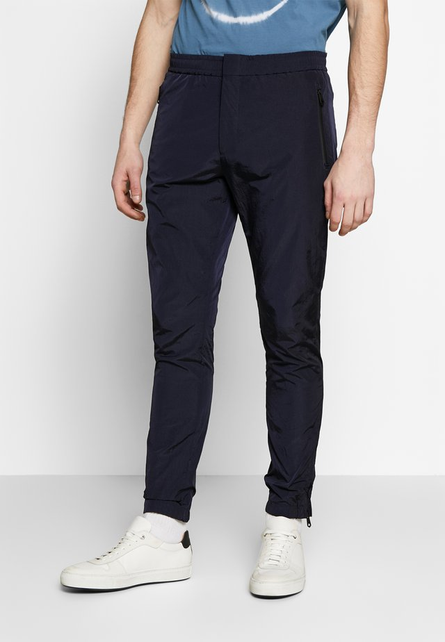 GENTS DRAWCORD TROUSER - Verryttelyhousut - dark blue