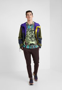 Paul Smith - GENTS T SHIRT - T-shirt con stampa - multi/yellow - 1
