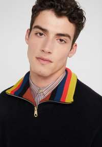 Paul Smith - GENTS ZIP COLLAR TOP - Strickpullover - black - 3