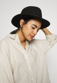 Paul Smith - WOMEN HAT FEDORA - Hoed - black