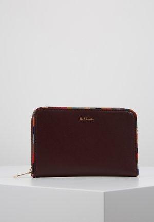 Peněženka - burgundy