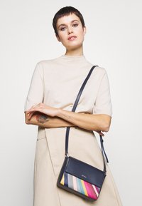 Paul Smith - WOMEN BAG BELT - Across body bag - navy - 1