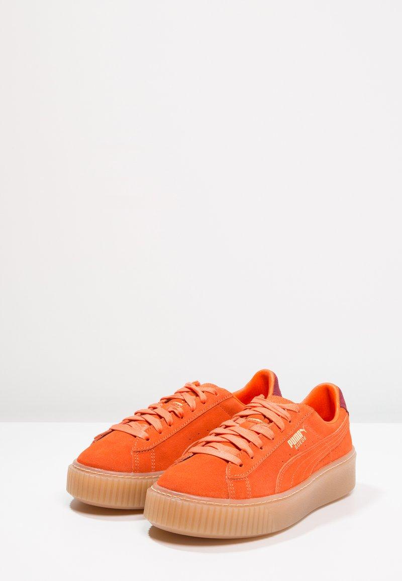 Suede PlatformExclusive Puma Orange Baskets Basses wPkuTOZiX