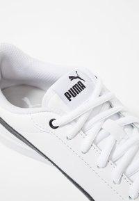 Puma - SMASH - Sneakersy niskie - white/black - 2