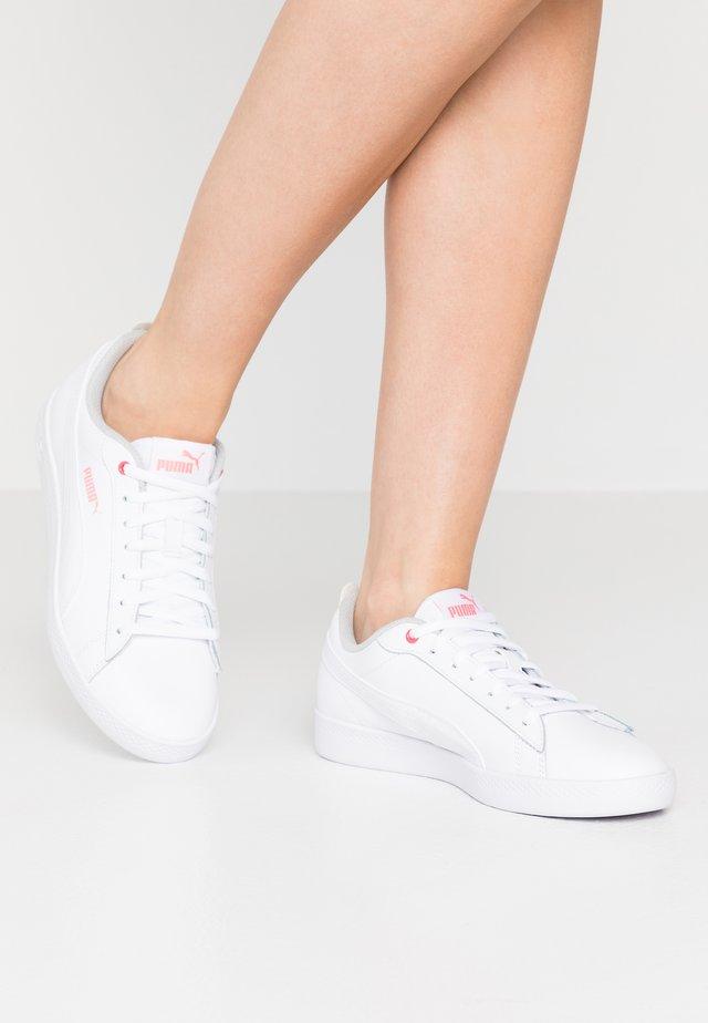 SMASH - Sneakers laag - white/salmon rose/gray violet