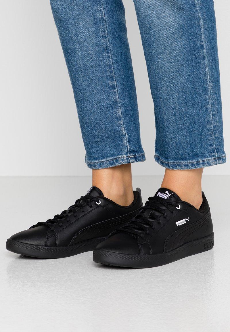 Puma - SMASH - Baskets basses - black
