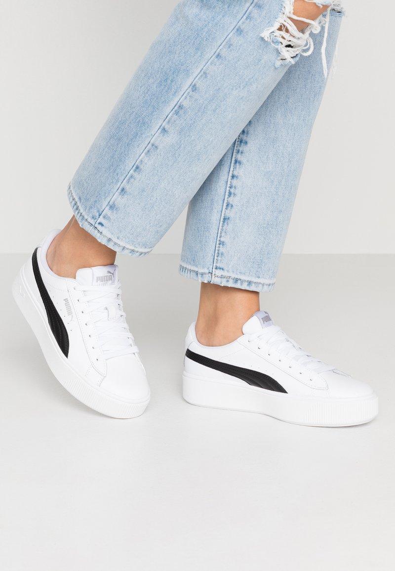 Puma - VIKKY STACKED - Trainers - white/black