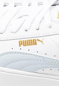 Puma - VIKKY STACKED - Baskets basses - white/plein air - 2